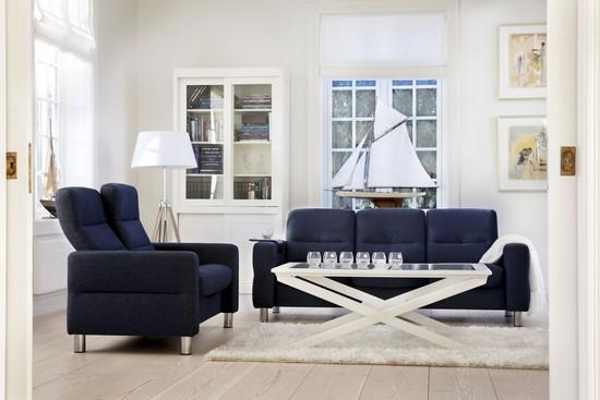 Mit satten, tiefen und dunklen Tönen hält Blau Einzug in die Wohnungen und ist damit der wohl wichtigste Farbtrend 2014.