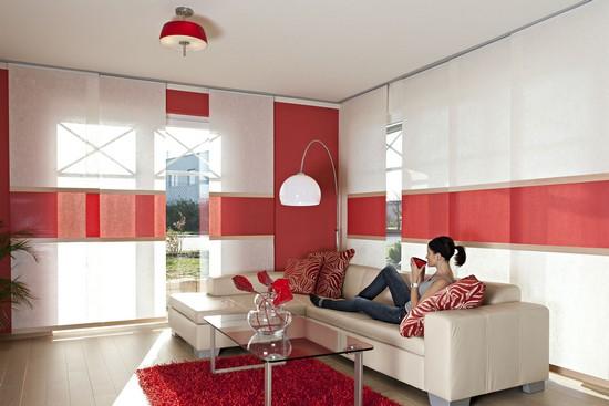 Praktisch und schön: Schiebegardinen bieten viele Vorteile, gerade bei großen Glasflächen.