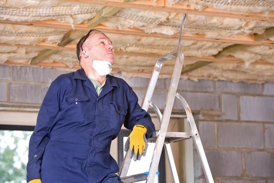 Während für Neubauten strenge energetische Standards gelten, verbrauchen tausende Altbauten  noch unnötig viel Energie. Foto: djd/Gesamtverband Dämmstoffindustrie/Corbis